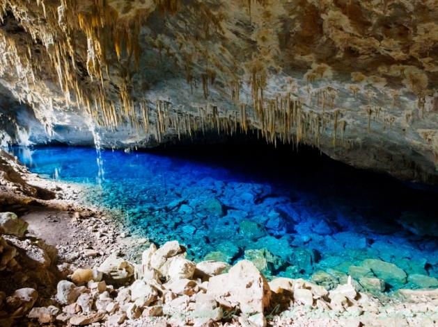ทะเลสาบสีเทอร์ควอยซ์ใต้ดินอันแสนงดงามนี้คือต้นกำเนิดการท่องเที่ยวของ Bonito