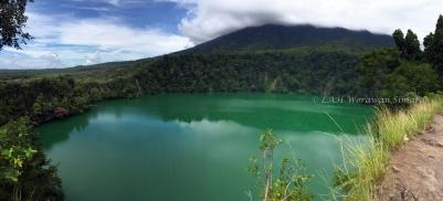 ทะเลสาบ Tolire ทะเลสาบในปากปล่องภูเขาไฟดั้งเดิม